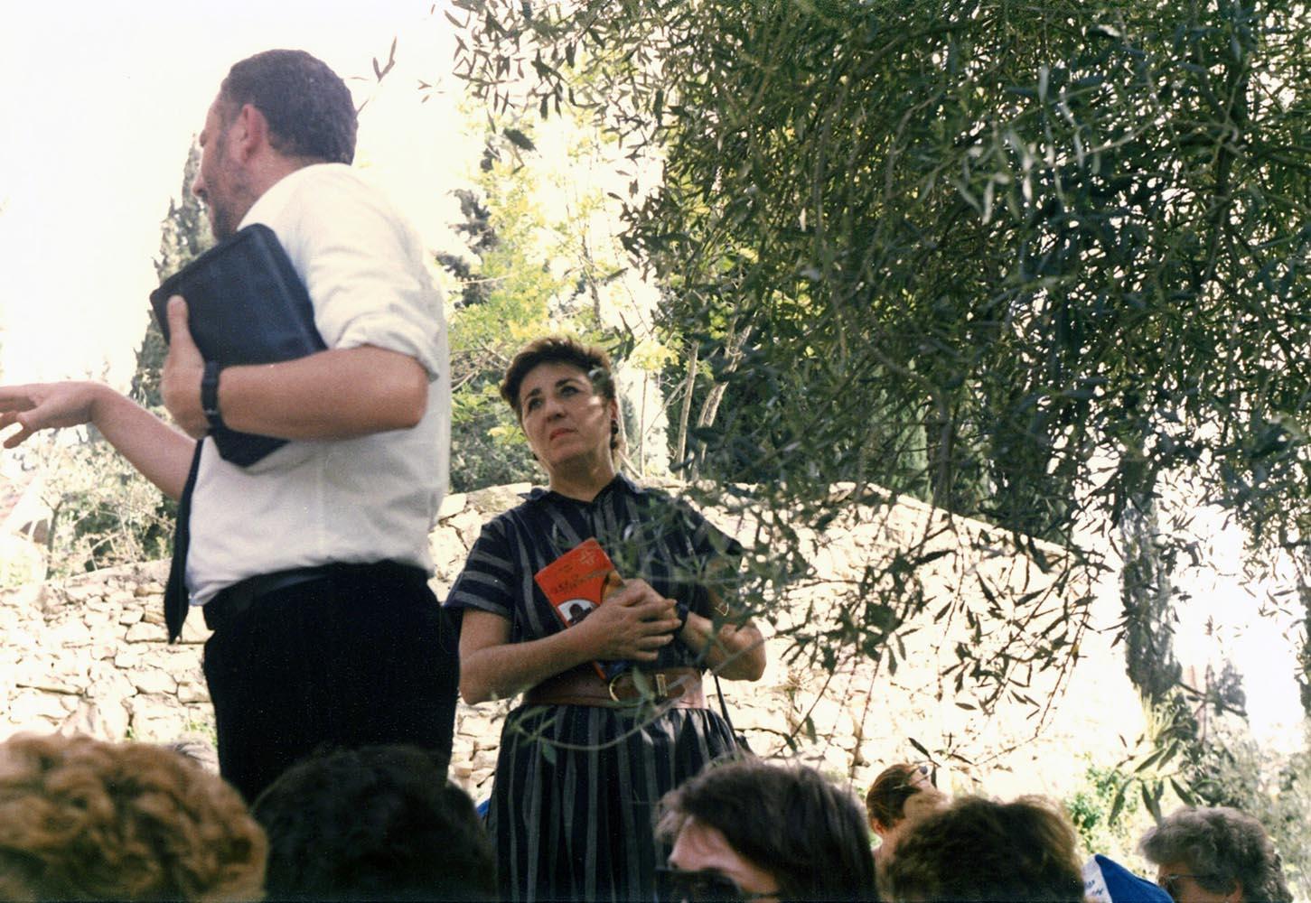 Carmen Hernández durante una catequesis en Israel